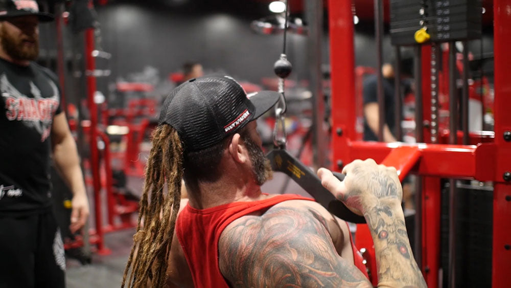 Medium grip lat pulldowns