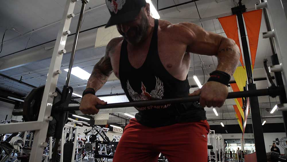 Bent over rows Smith Machine for back workout