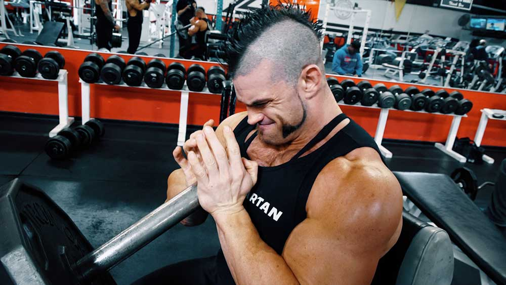 Chest workout with diamond press