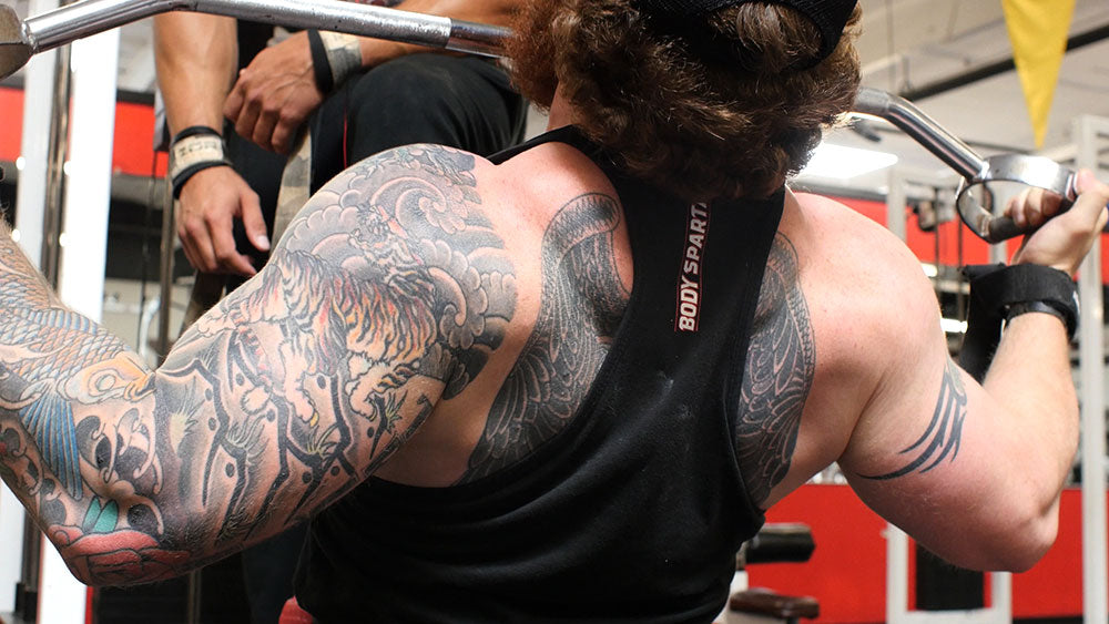 Nuetral grip lat pull down
