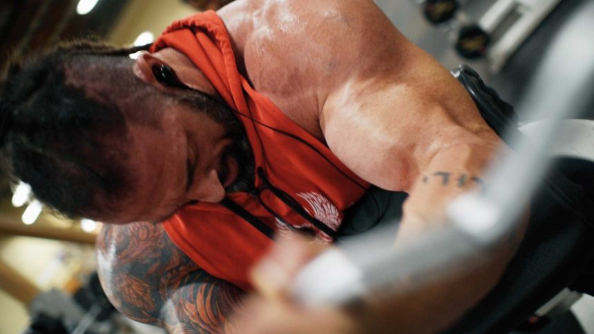 Arm workout supersets for biceps and triceps