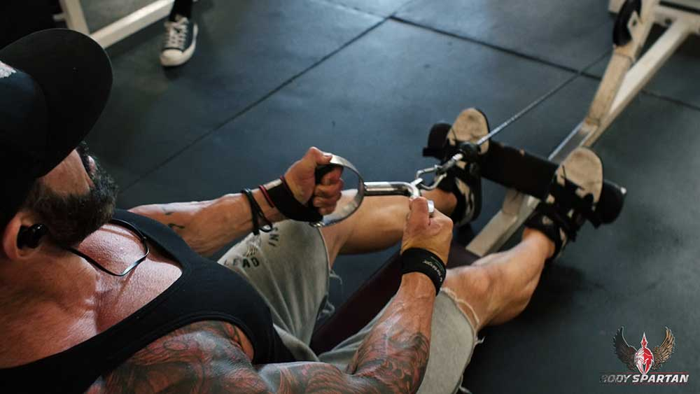 close grip rows for back workout