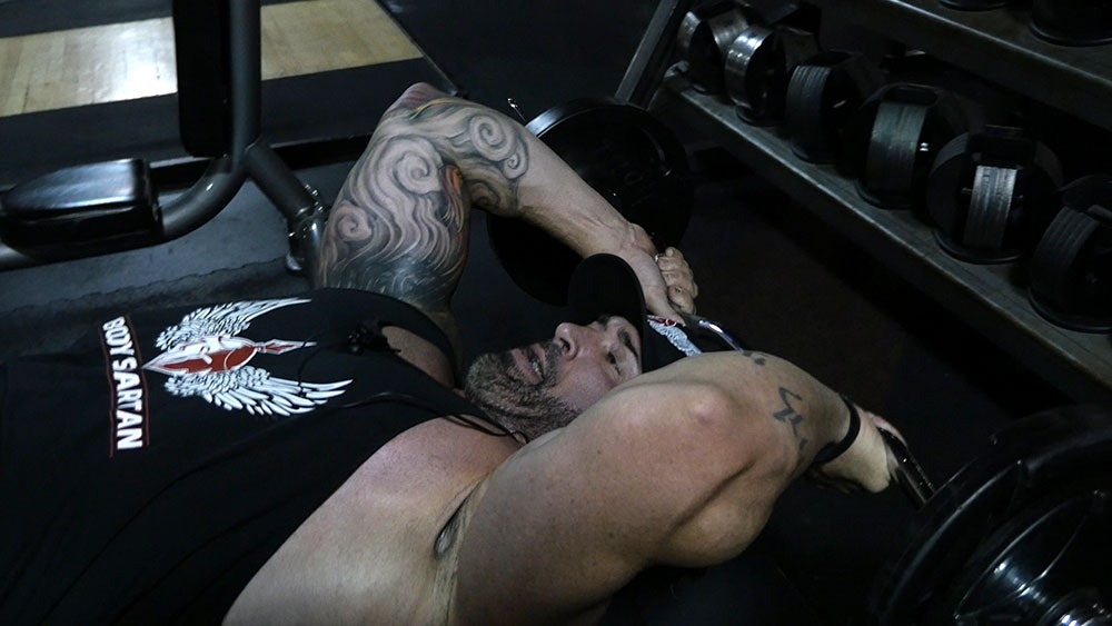 biceps triceps super set with skull crusher