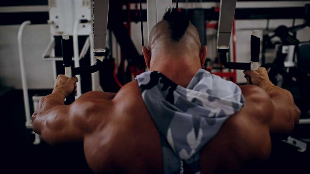 rear delt flies for shoulder workouts
