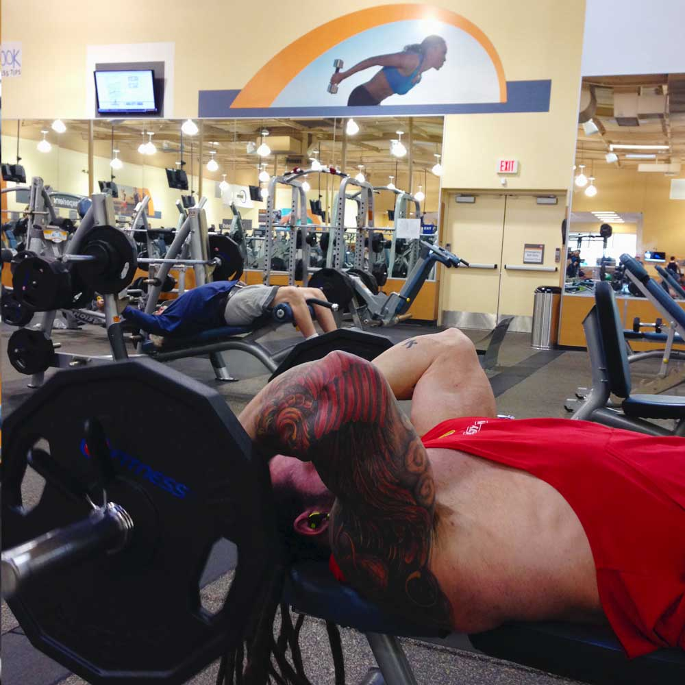 Triceps skull crushers for the big arm workout