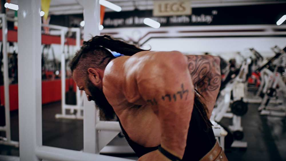 Weighted triceps dips for upper body workout