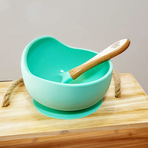 Classic silicone bowls and spoon