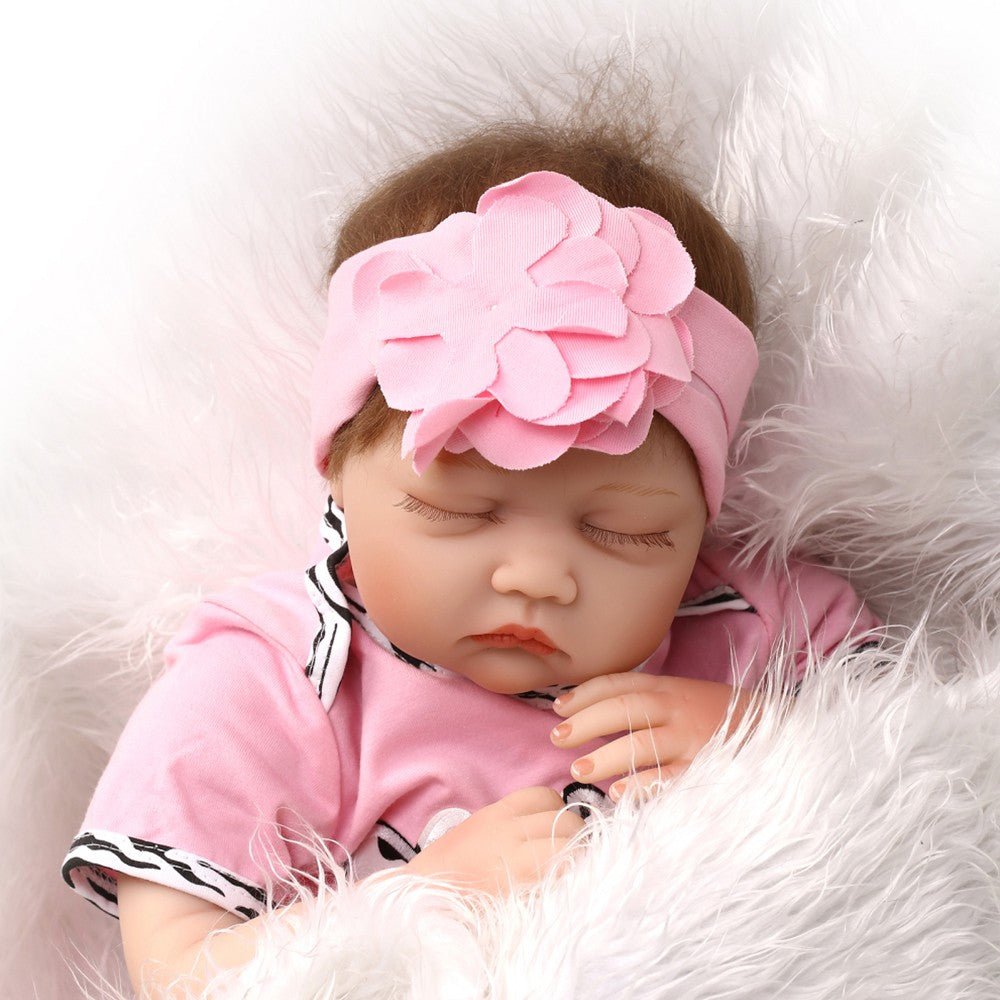 Go2Funlive 22Inch 55Cm Silicone Reborn Toddler Baby Doll Girl Sleeping Doll Boneca With Clothes Blue Eyes Lifelike Cute Gifts Toy