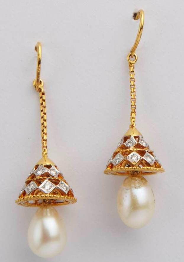 Pearl Lamp Diamond Earrings
