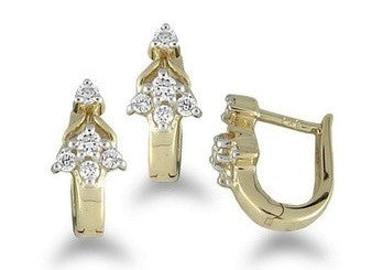 Dainty Floral Light Weight Diamond Earrings