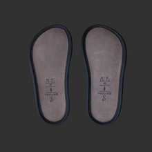 Load image into Gallery viewer, Ladies Leather Lazy Bone Slippers
