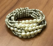 Load image into Gallery viewer, Freshwater Pearl Bracelet - 6 Colors