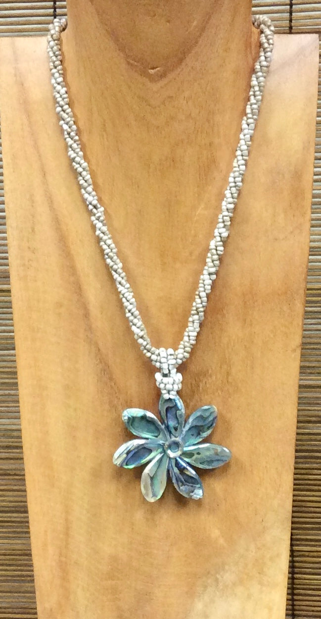 Abalone Flower Necklace in Cream