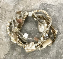 Load image into Gallery viewer, Sea Shell and Pearl Bracelet - 4 Colors
