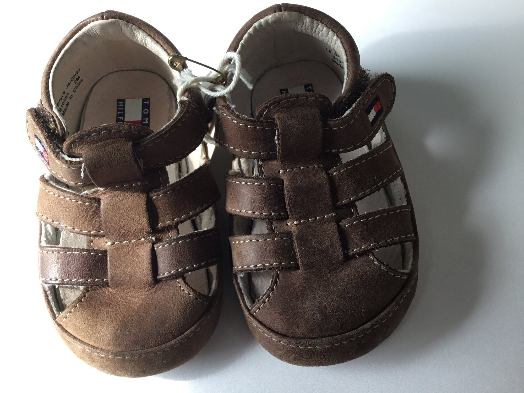 Resale C2 Tommy Hilfiger Tan Sandals