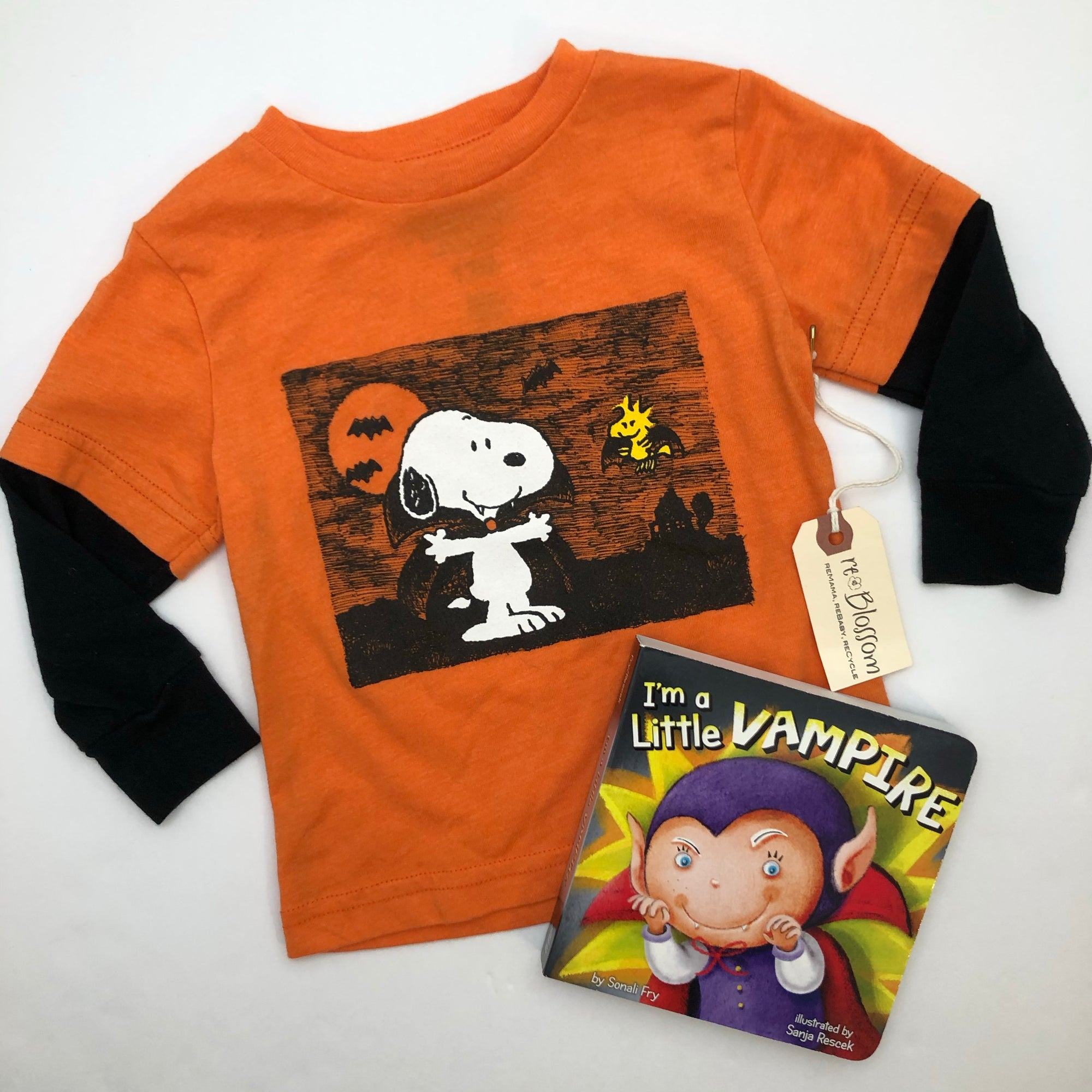Resale 12 m Peanuts Snoopy & Woodstock Vampire Halloween T-Shirt & I'm a Little Vampire Board Book Set