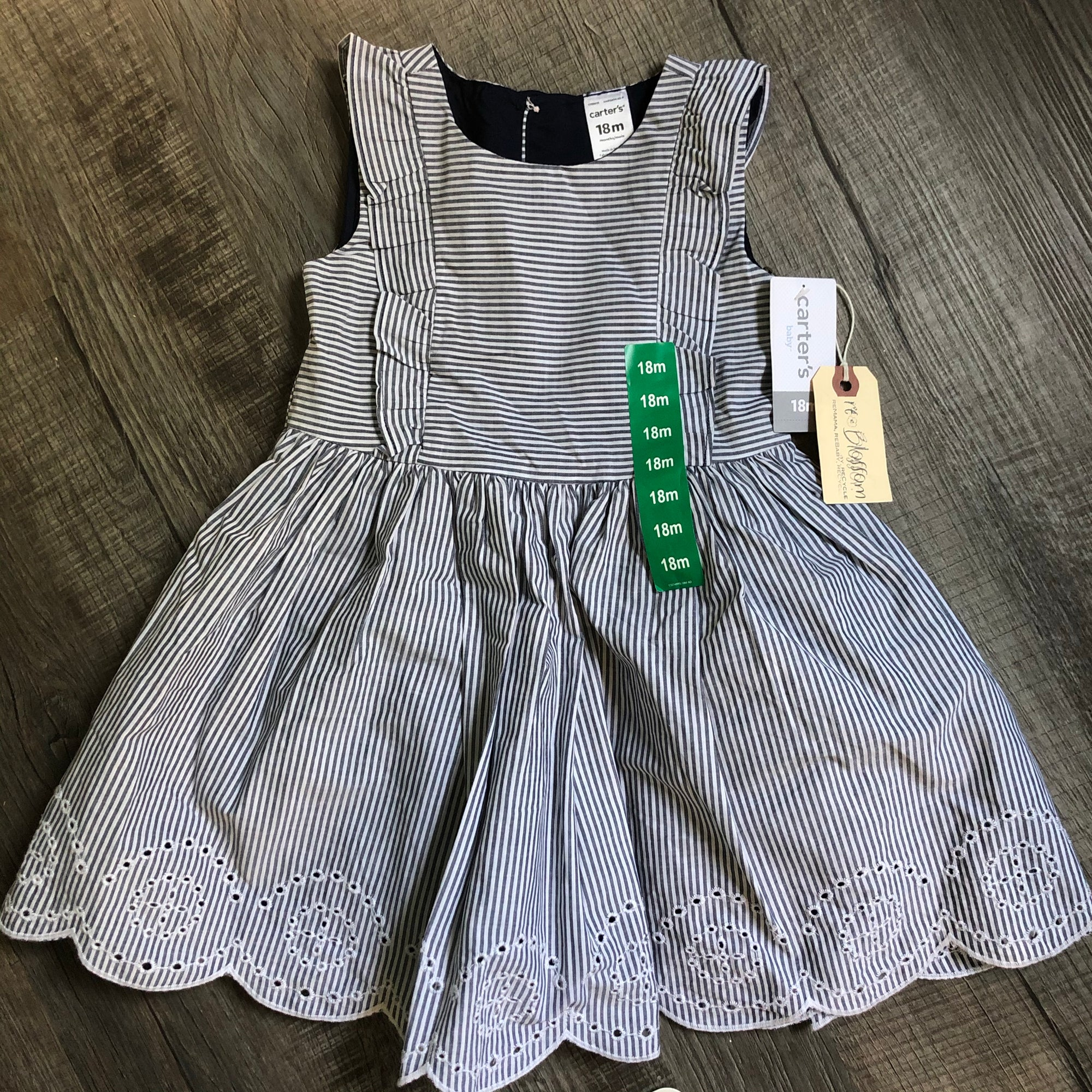 Resale 18 m Carter's Seersucker Eyelet Dress