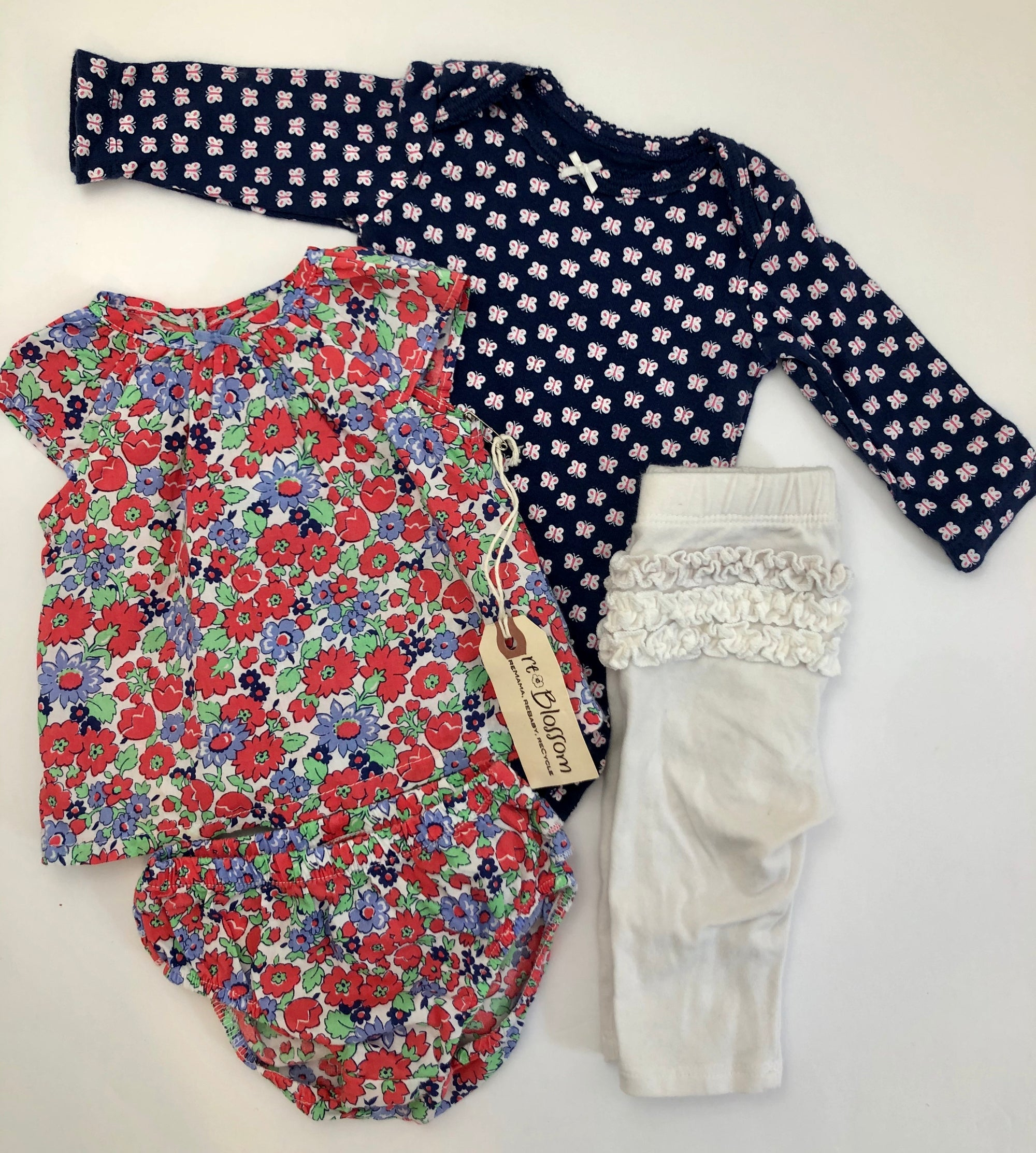Resale NB Carter's Floral Set & 0-3m Butterfly Bodysuit & White Ruffle Legging