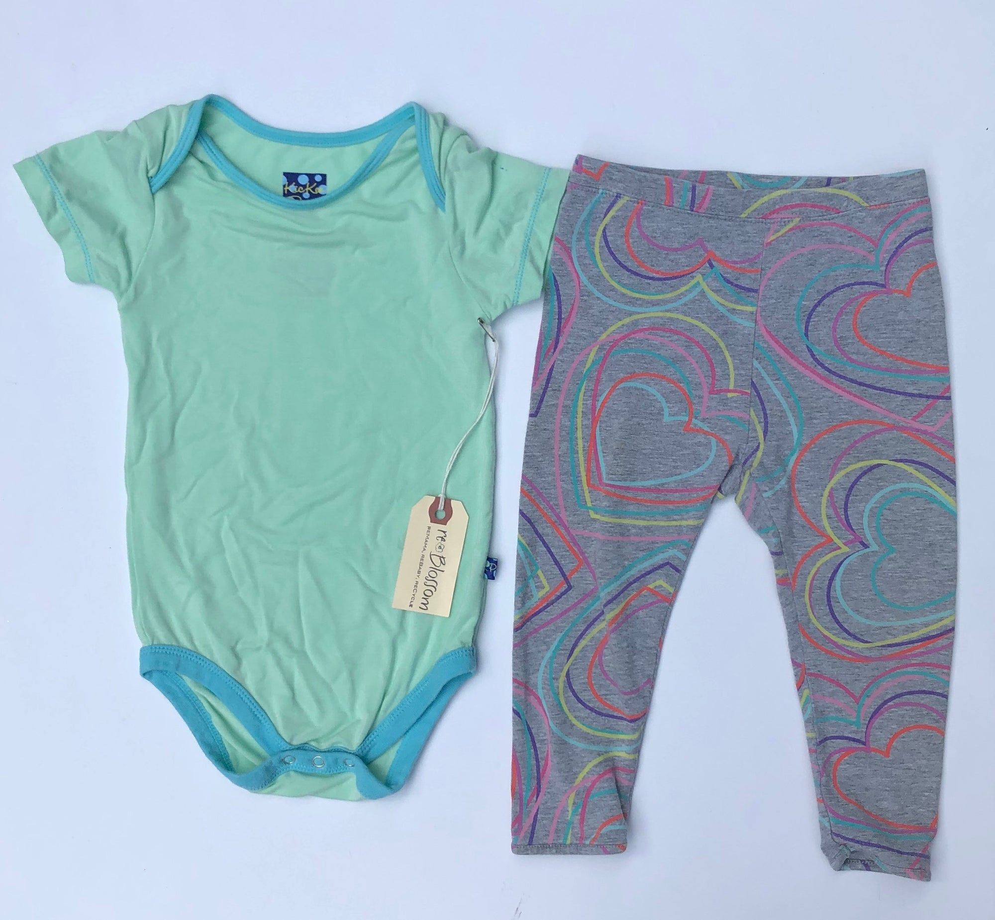 Resale 18-24 m KicKee Pants Bodysuit & Gap Heart Leggings
