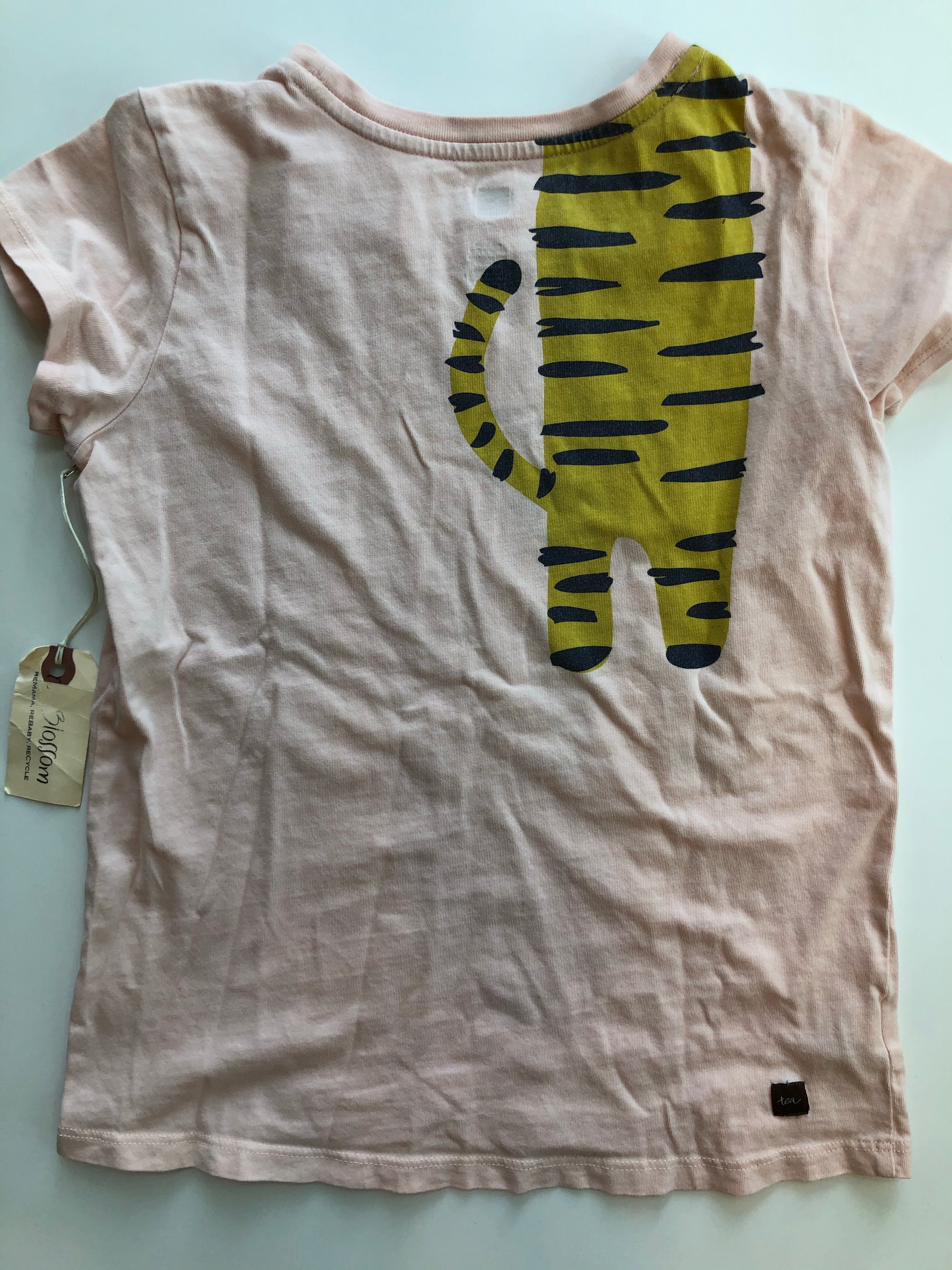 Resale 7y Tea Collection Wrap-Around Tiger T-Shirt