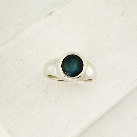 Top view of Labradorite ring by David McLeod. Hand crafted from solid sterling silver and set with labradorite.