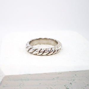 Silver rope ring by GG Jewellery