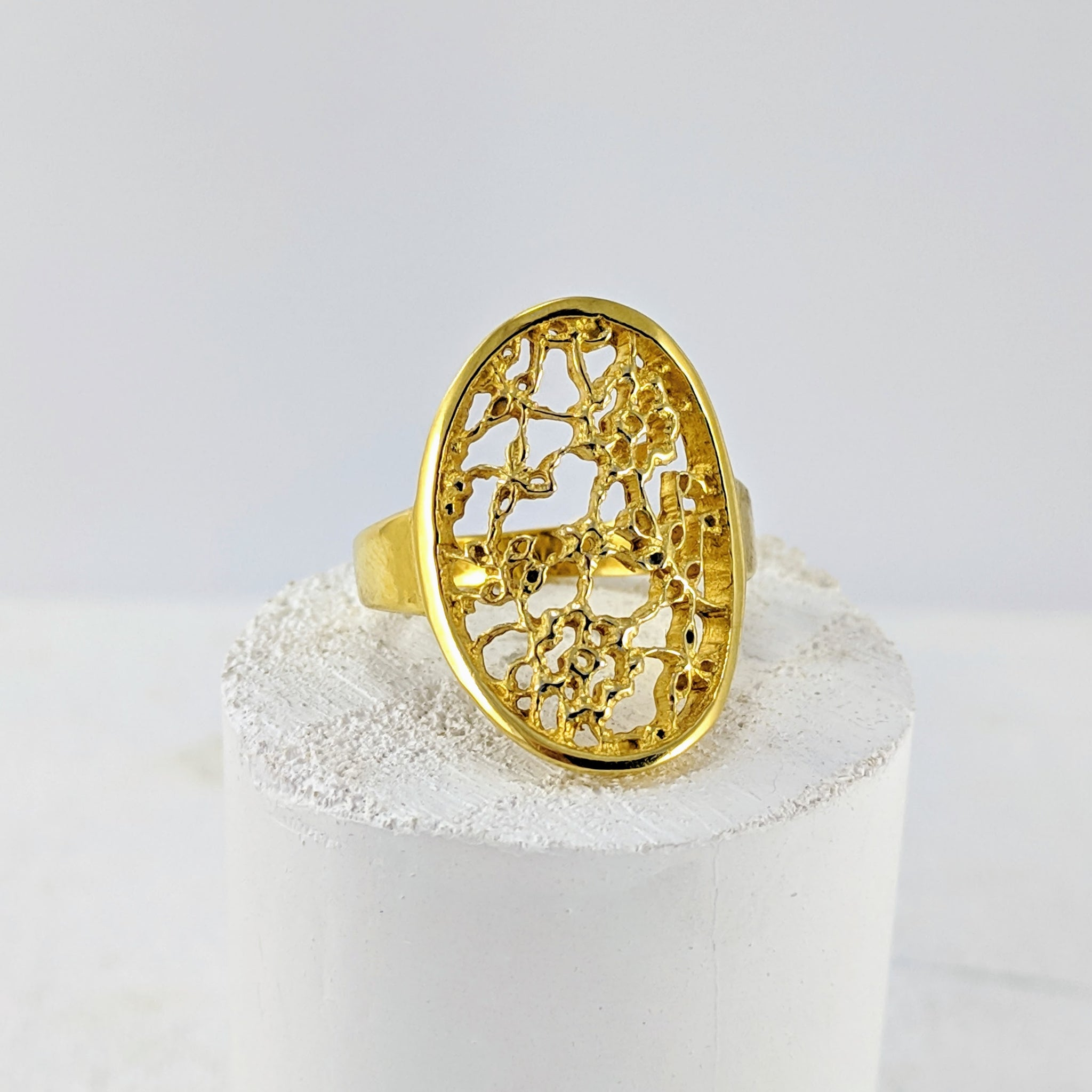 Lace Oval Ring - Gold