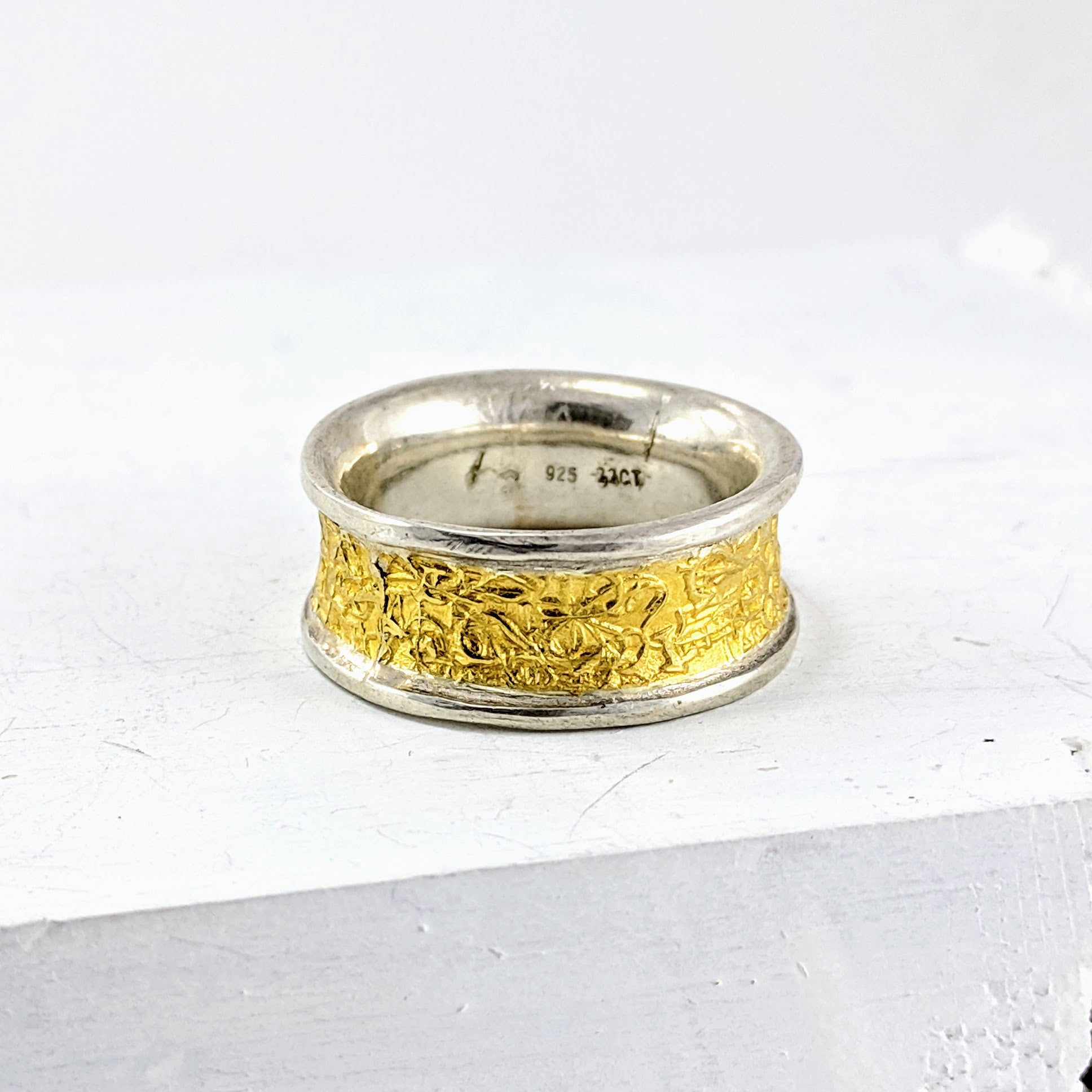 TEXT-ure Ring