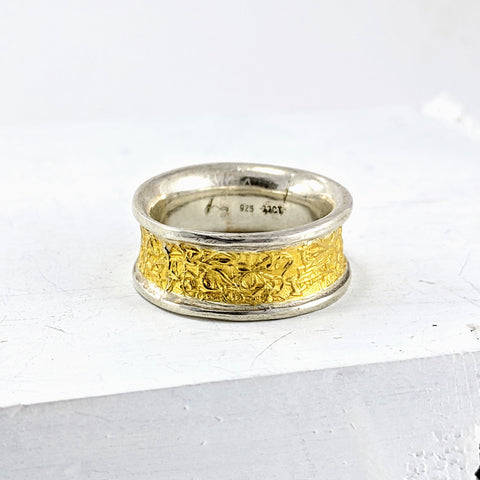 TEXT-ure ring in Silver and 22ct gold by David McLeod