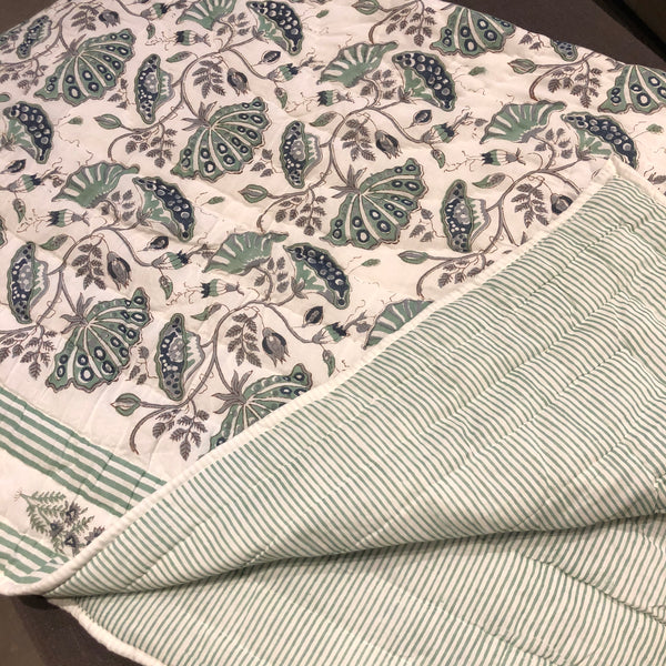 Blooming Quilted Throw, Green