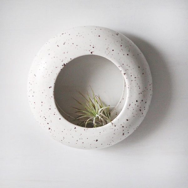 O-Planter in speckled white