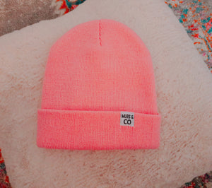 Cuffed M&C Tag Beanie in Pink