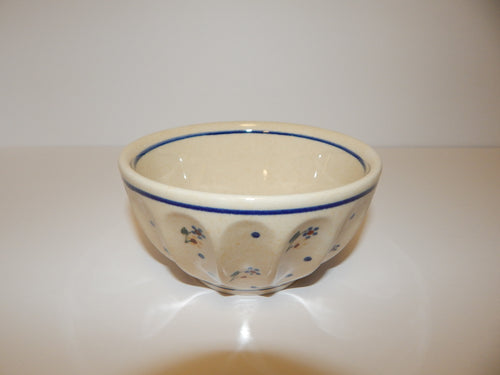 Medium Scalloped Bowl