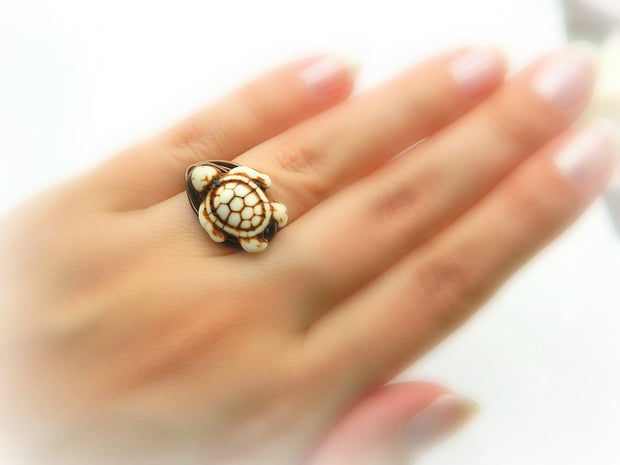 White Turtle Ring. Turtle Ring. Bohemian White Boho Ring. Animal Jewelry Rings, Anillo de Tortuga
