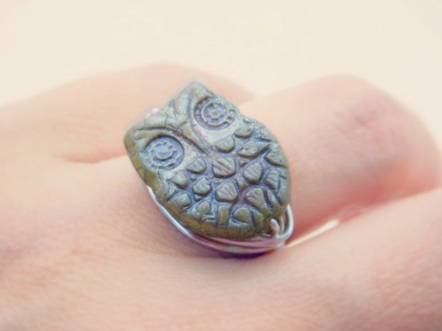 Owl Ring. Opaque Owl Czech Bead Ring. Owl Green Ring. Ring for Kids