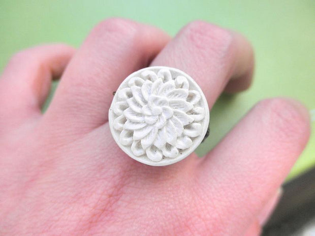 Carved Cinnabar Cream Bead Handmade Ring