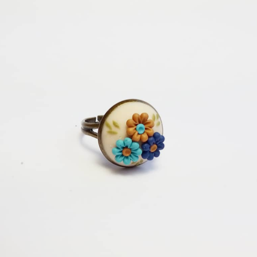Anillo beige floral