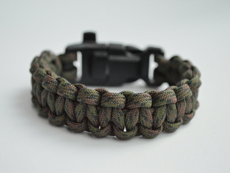 Pulsera Cobra supervivencia