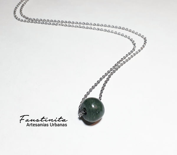 Collar de jade mexicano.