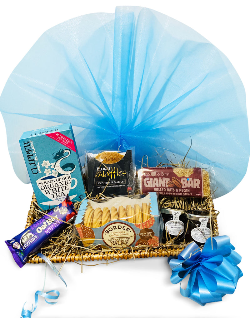 Delightea Hamper Wicker Gift Hamper Occassionz Ltd (Basket of Love)