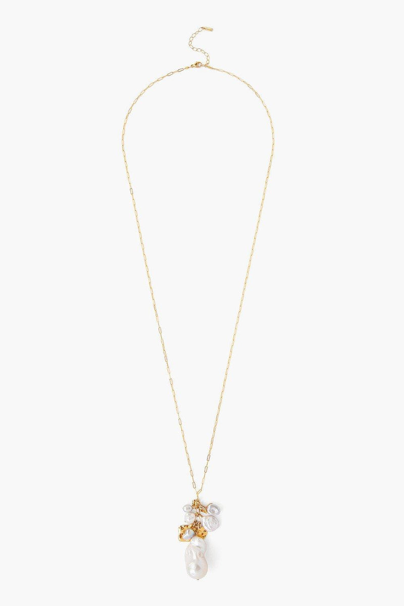 WHITE PEARL HAMMERED GOLD CHARM NECKLACE