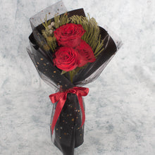 Load image into Gallery viewer, 3 Red Roses | Little Florist Dream