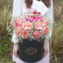 Load image into Gallery viewer, 30 Roses Flower Box | Florist Singapore