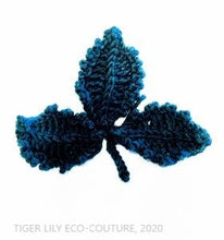 Load image into Gallery viewer, Free Crochet Pattern: 3D Leaf Motif