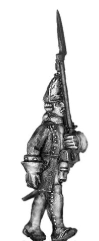 (100AOR116) 1756-63 Saxon Guard Grenadier officer, with musket marching