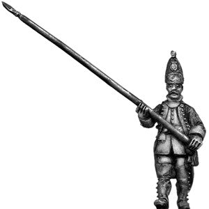 (100AOR063) Grenadier Standard Bearer, coat with cuffs & lapels marching