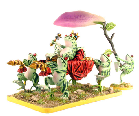 (100FRG13) 28mm Frog King, on litter with attendants