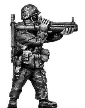 (100MOD163) 1980s US Soldier, MOPP gear/helmet, LAW rocket launcher