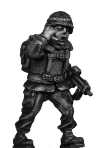 (100MOD018) German Bundeswehr radio man with MP7