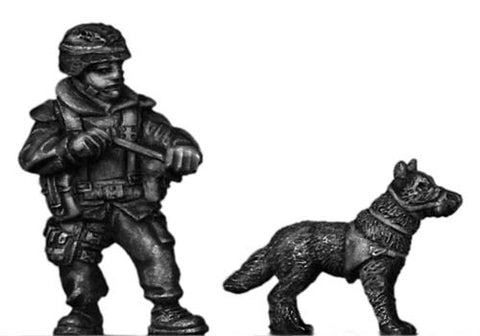 (100MOD020) German Bundeswehr military working dog and handler